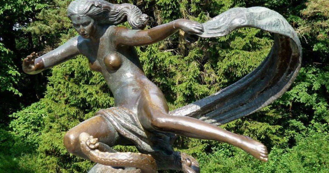 Egle-the-Queen-of-Serpents
